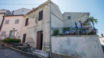 Kamena kuća za renoviranje na prodaju Vrsar