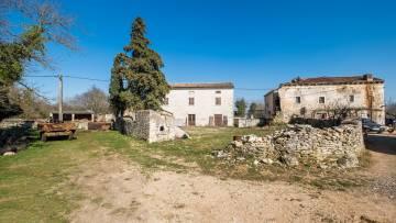 Kamena kuća na prodaju Divšići Marčana