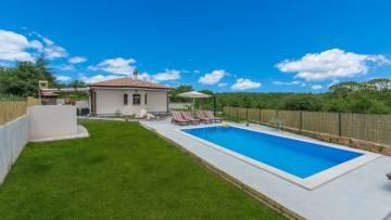 Kuća s bazenom na prodaju Višnjan Poreč